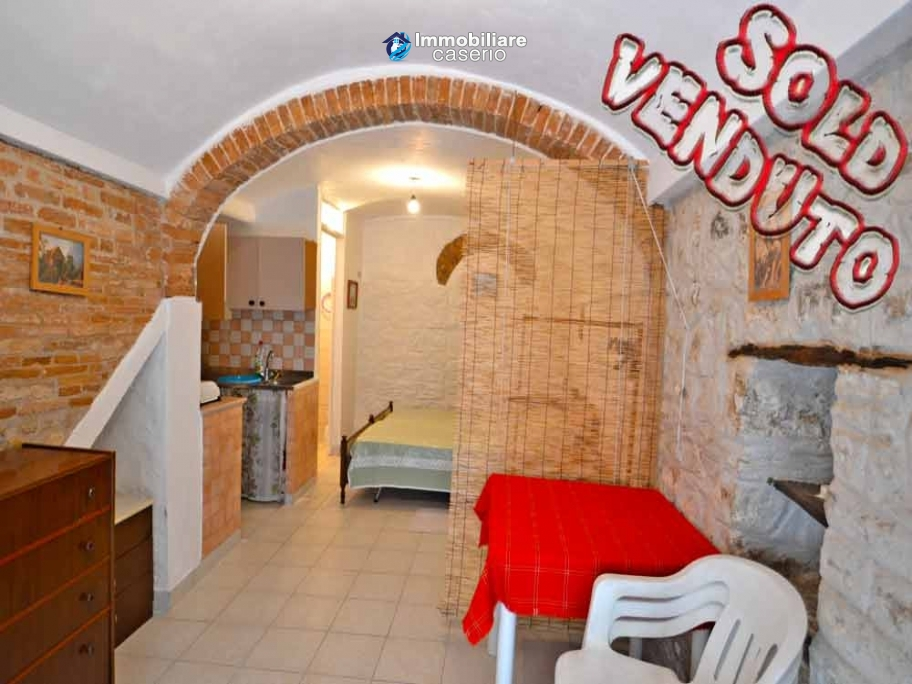 Special town house, habitable and with sea view for sale in Molise