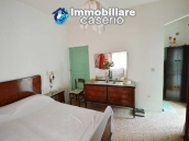Habitable town house for sale not far from the sea, Molise 14
