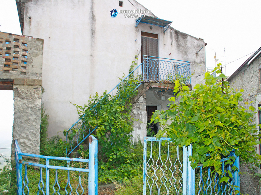 Ancient stone town house with sea view for sale in Furci, Abruzzo