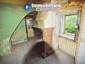 Spacious town house with garden, terrace and veranda for sale in Fraine, Abruzzo 7