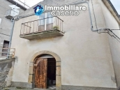 Detached property in the center of Carunchio 36 km away from sea 1