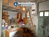 Detached property in the center of Carunchio 36 km away from sea 23