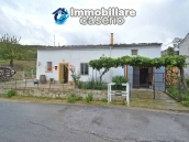 Habitable detatched country house for sale with land in Abruzzo 1