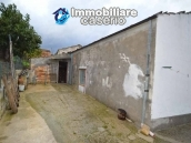 Habitable detatched country house for sale with land in Abruzzo 23