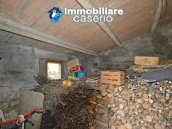 Habitable detatched country house for sale with land in Abruzzo 25