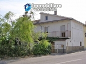 Town house with land for sale in Casalanguida, Abruzzo 2