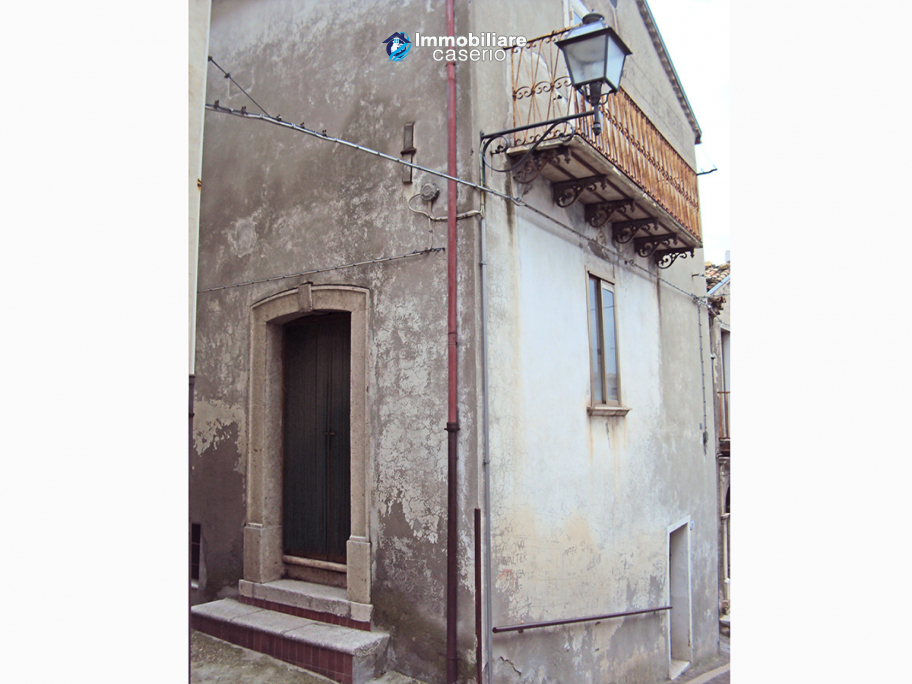 Cheap Town House For Sale In Castelbottaccio Molise