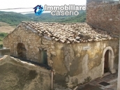 Stonehouse in need of restoration works in Dogliola, Chieti 1