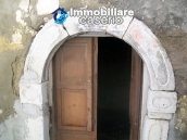 Stonehouse in need of restoration works in Dogliola, Chieti 5