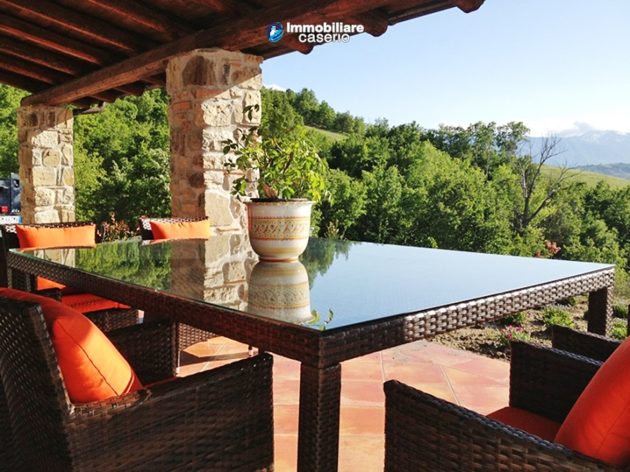 Stone farmhouse with adjoining wooden house used as a spa, for sale Molise, Italy