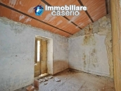 Ancient house in stone in the center of San Buono, Abruzzo - Property Italy 5