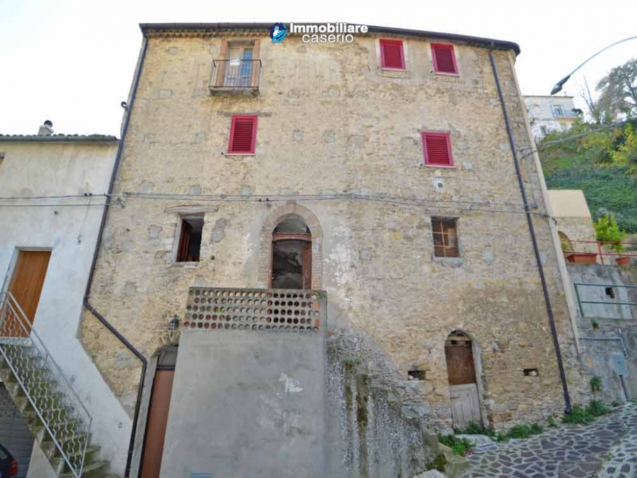 Ancient house in stone in the center of San Buono, Abruzzo - Property Italy