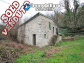 Stone farm house with land for sale in Molise - Village of Bagnoli del Trigno 1