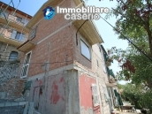 Renovated house with garden and garage for sale in Abruzzo, Fresagrandinaria 18