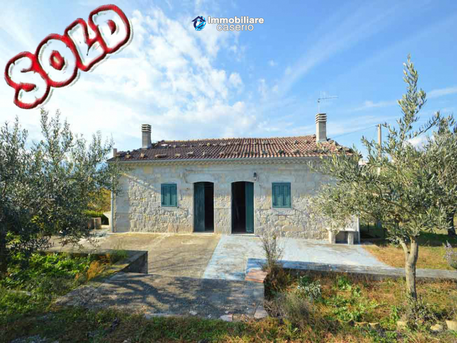 Buy an old house in stone for sale in Molise, Isernia, Bagnoli del Trigno