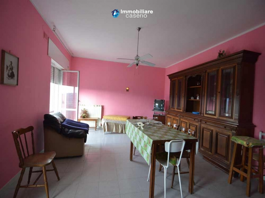 Big house with garage for sale in Molise, Campobasso, Mafalda
