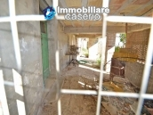 Buy a house near the coast with livable outdoor space in Abruzzo, Pollutri 27