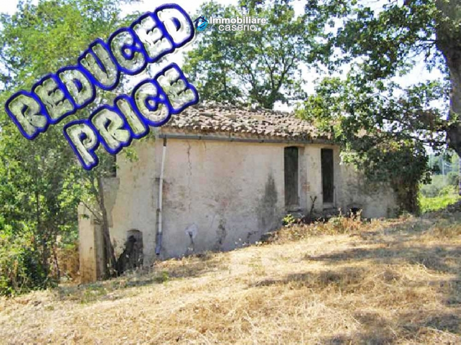 House for renovation for sale in Palmoli, Abruzzo, Italy
