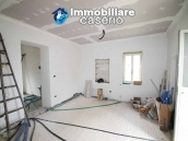 Properties with land with new roof for sale in Abruzzo, Furci 10