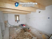 Properties with land with new roof for sale in Abruzzo, Furci 14