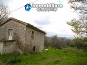 Properties with land with new roof for sale in Abruzzo, Furci 2