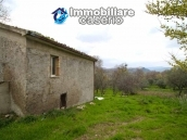 Properties with land with new roof for sale in Abruzzo, Furci 3