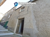House with ancient stone floors for sale in Abruzzo, village Furci - near the marina 12