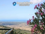 House with ancient stone floors for sale in Abruzzo, village Furci - near the marina 14