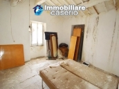 House with ancient stone floors for sale in Abruzzo, village Furci - near the marina 7