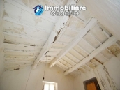 House with ancient stone floors for sale in Abruzzo, village Furci - near the marina 8