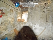 Ancient house of stone and bricks for sale in the heart of San Buono, Abruzzo 19