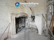 Large old brick farmhouse with land for sale in Vasto, Trabocchi Coast, Abruzzo 12