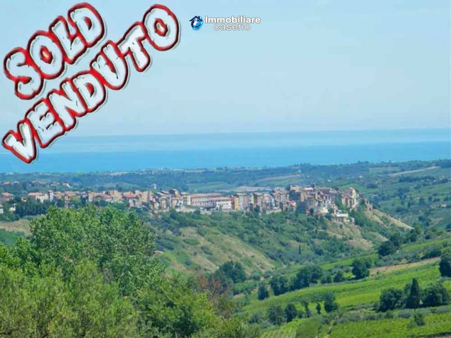Ancient property for sale in Pollutri 7 km by the sea, Abruzzo, Italy