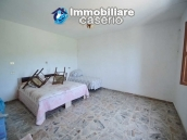 Spacious house with garage and garden for sale in Italy, Abruzzo, Roccaspinalveti 4