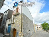 Economic house with garage, garden and sea view for sale in Italy 2