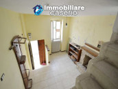 Economic house with garage, garden and sea view for sale in Italy 4