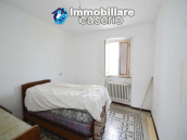 Economic house with garage, garden and sea view for sale in Italy 5