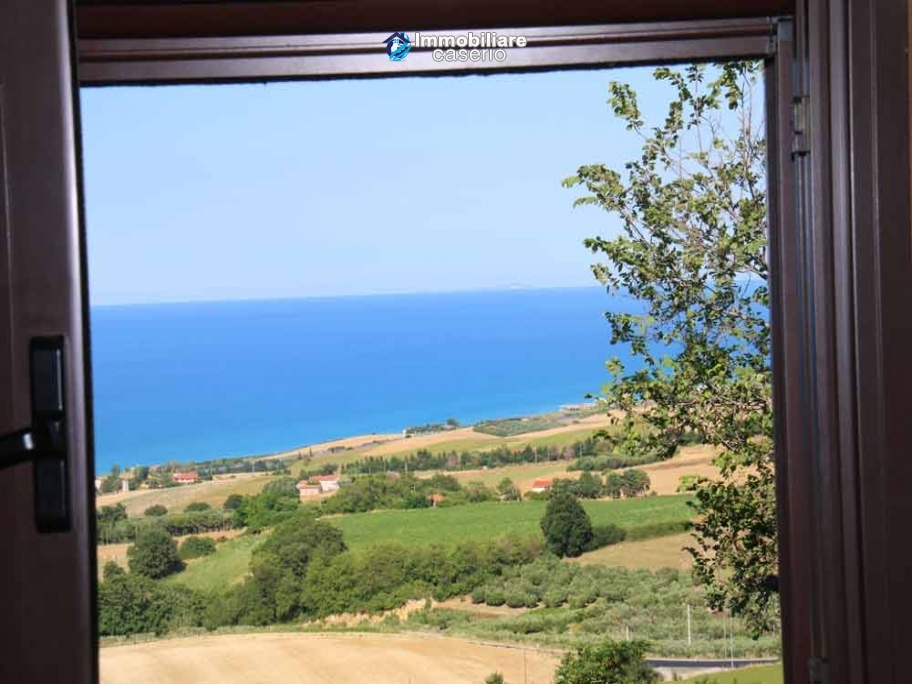 House with visual Tremiti Islands, the hills and the sea for sale in Italy, Molise