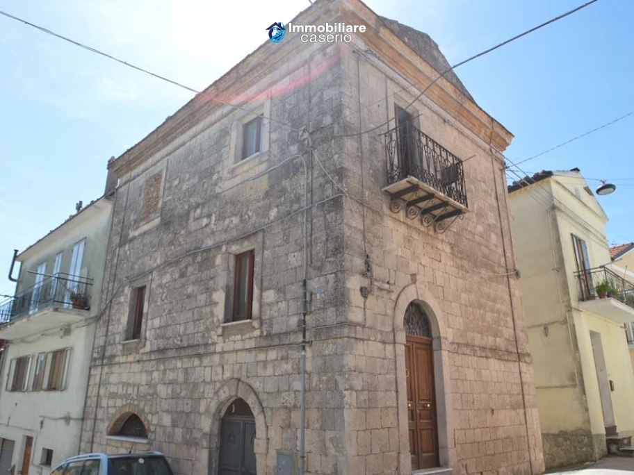 Historic stone house with spa room for sale in Italy, Molise, Mafalda
