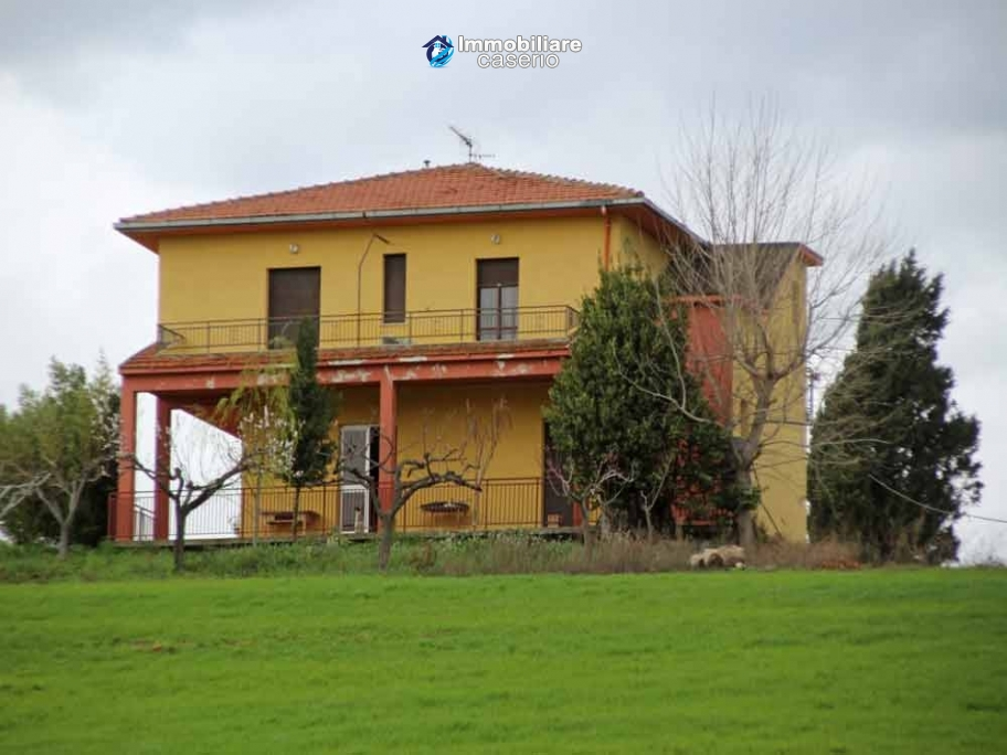 Properties for sale on the sea in Italy, Molise, village Montenero di Bisaccia