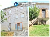 Property with seven bedrooms and garden for sale in Italy, Abruzzo, Chieti 2