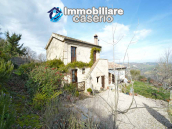 Renovated house with garden and terrace for sale in Città Sant'Angelo, Pescara 4