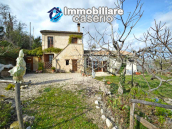 Renovated house with garden and terrace for sale in Città Sant'Angelo, Pescara 5