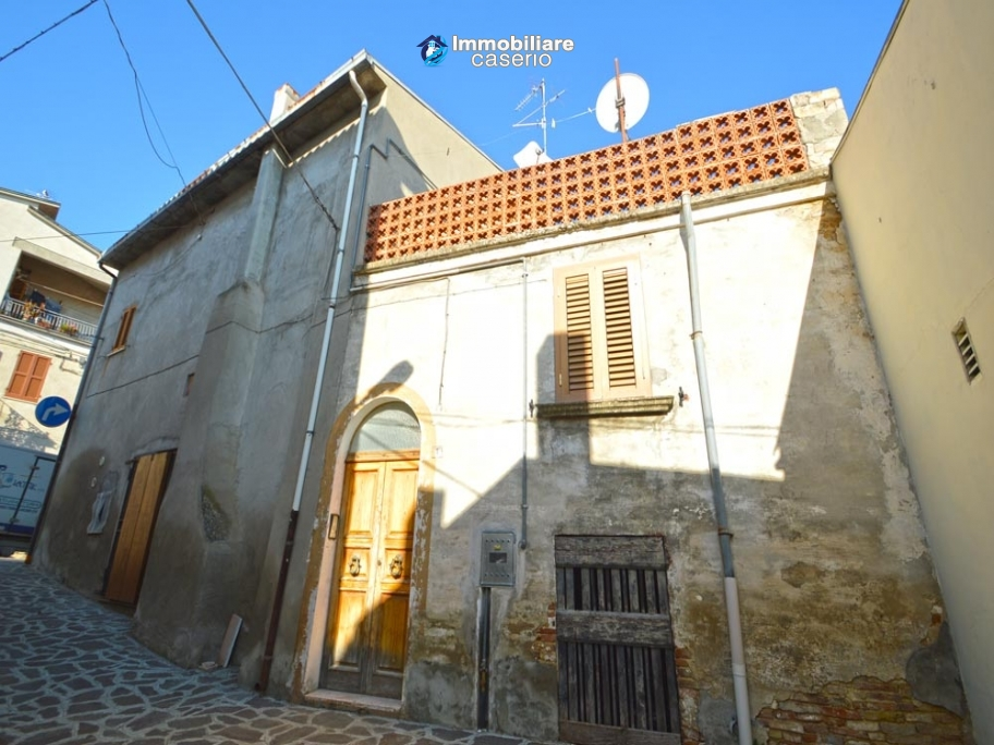 House with terrace near the sea for sale in Abruzzo, Italy, Villalfonsina
