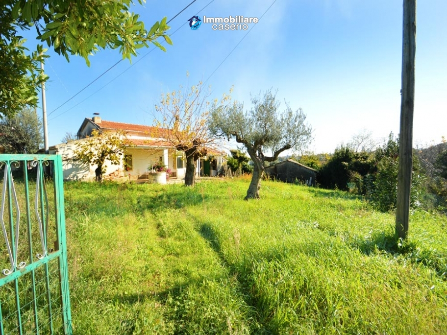 House with garden near the sea for sale in Casalbordino, Abruzzo, Italy