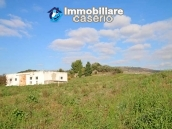 Building for sale with hectares of arable land and planted with olive trees, Italy 6