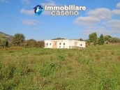 Building for sale with hectares of arable land and planted with olive trees, Italy 7