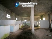 Building for sale with hectares of arable land and planted with olive trees, Italy 9