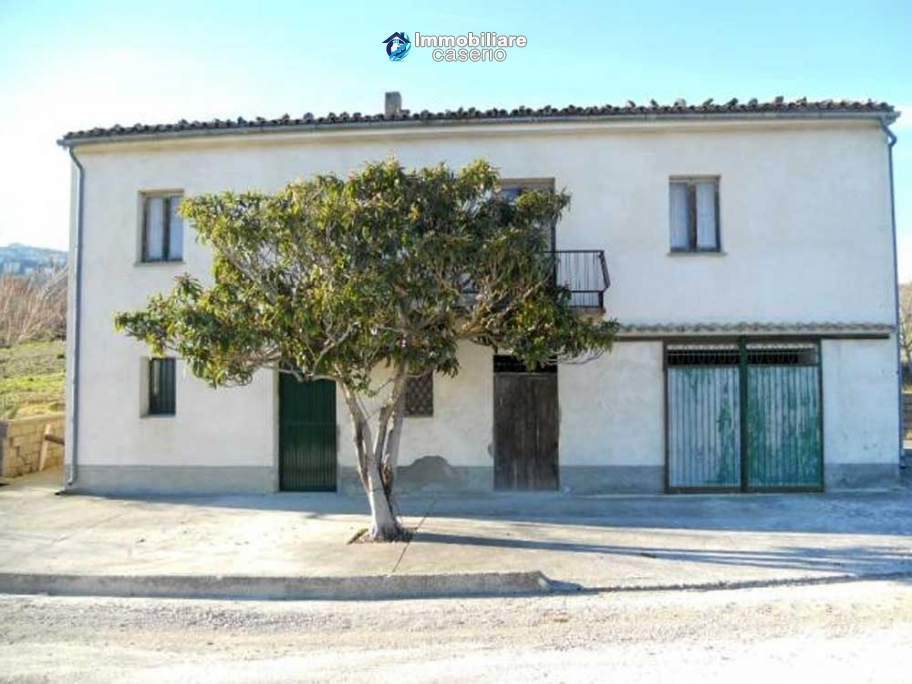 Italy property for sale, rustic cottage in Palmoli Abruzzo
