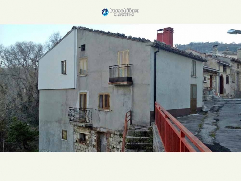House for sale in Abruzzo region, in the beautiful medieval town Torricella Peligna